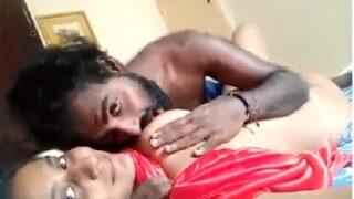 Vijayawada ammayi sexy sollu cheekina uncle